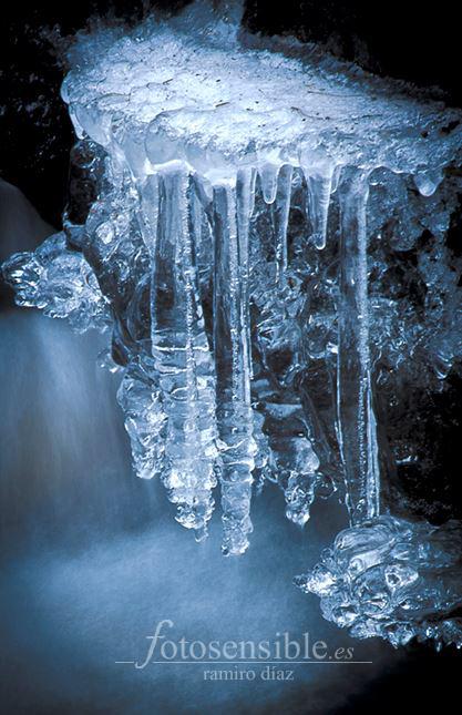 Castillo de hielo en el río manzanares.